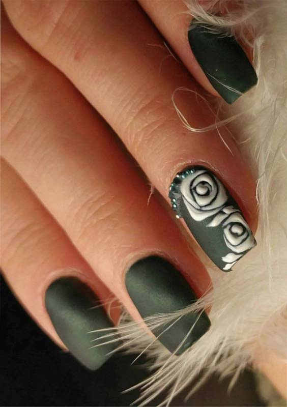 40 Cute Pinstripe Nail Art Designs for 2021