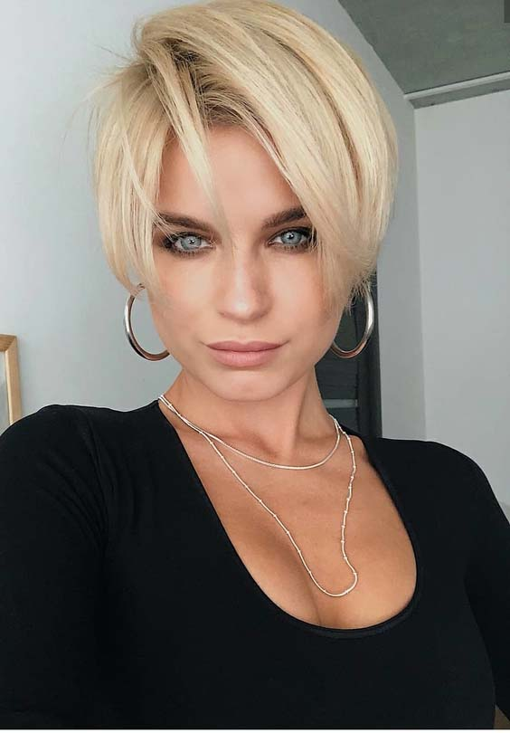 28 Amazing Blonde Pixie Cuts with Big Earrings 2018