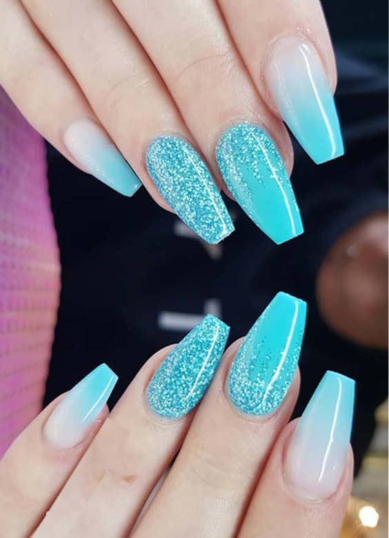 38 Stylish Glitter Mali Blue Nail Art Designs for 2021