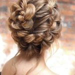 Gorgeous Wedding Braids to Create in 2018