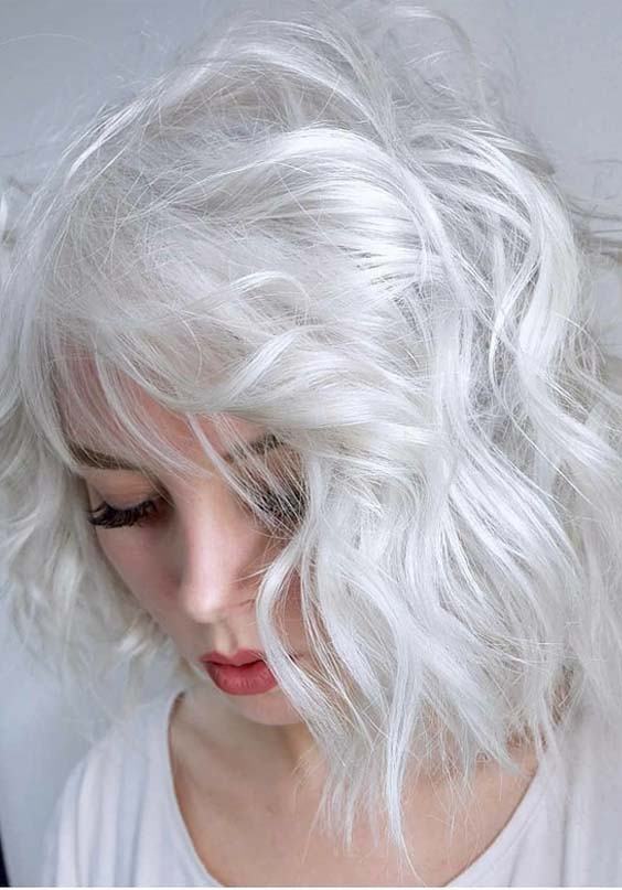 30 Popular Platinum Blonde Short Haircuts for 2021