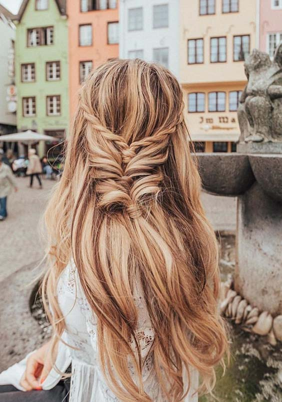 38 Perfect Hairstyles for Summer Travels & Vacations in 2018