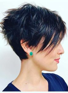 Short Razor Haircuts for Women in 2021