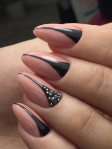 Cute Nude Nail Art Designs for 2021