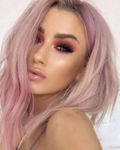 Light Pink Hair Looks & Makeup Ideas for 2018