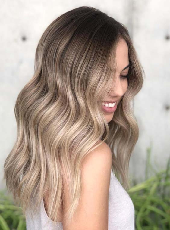 33 Eye-catching Sandy Blonde Hair Color Ideas in 2018