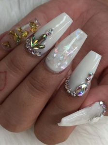 Fantastic White Nail Art Designs for 2021