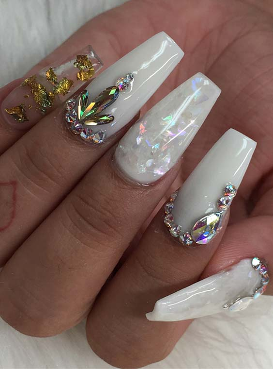 Fantastic White Nail Art Designs for Fashionable Women 2018