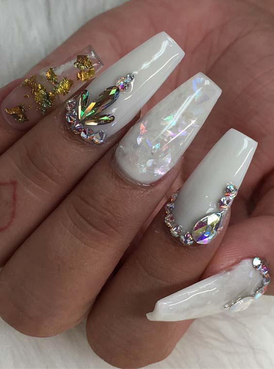 Fantastic White Nail Art Designs for Fashionable Women 2018