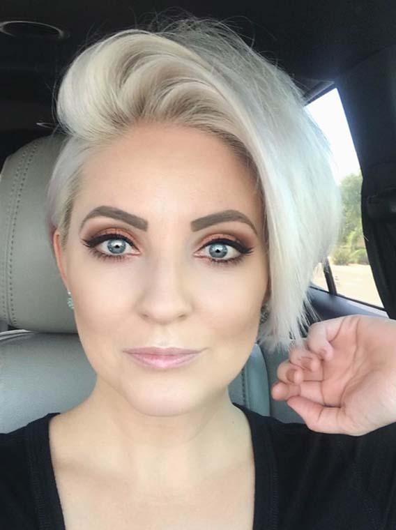 Prettiest Side Swept Short Blonde Haircut Styles in 2018