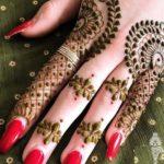 Combinations Of Mehndi & Nail Arts in 2021