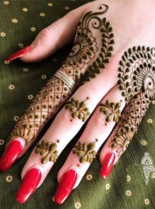 Combinations Of Mehndi & Nail Arts in 2021