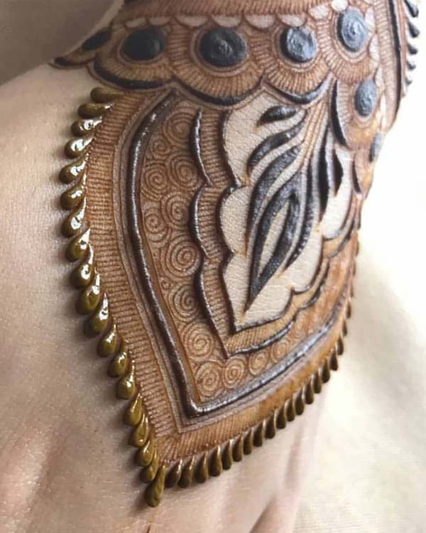 Creative Mehndi Designs to Try Out in Year 2019