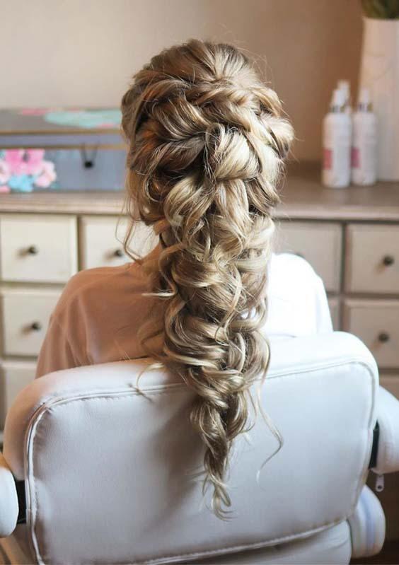 Modern Romantic Braids & Pinned Curls You Must Wear in 2019