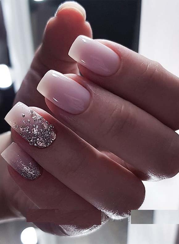 Gorgeous Glitter Light Pink Nail Designs in 2021