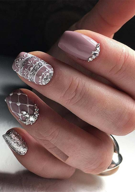 Lovely Light Purple Nail Polish Designs for Medium Nails
