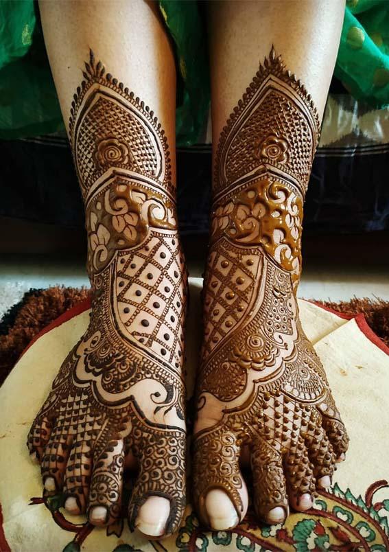 Modern Mehndi Designs for Gorgeous Feet in 2021
