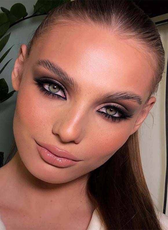 Nice Makeup & Beauty Trends for Glamorous Look in 2021