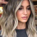 Eye-catching Blonde Shades with Dark Roots in 2021