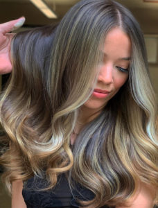 Dimensional brunette balayage hair color ideas for 2019