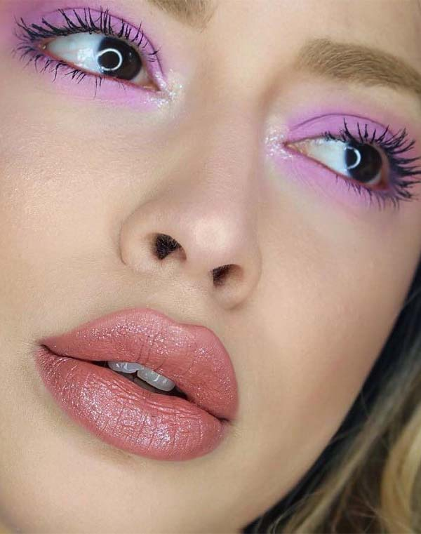 Glorious Lipstick & Eye Makeup Ideas You Must Apply in 2021