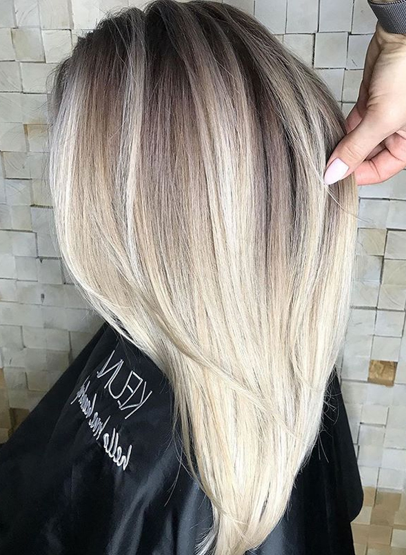 Awesome Blonde Shades with Dark Roots for Women in 2019