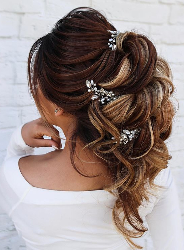 Gorgeous Wedding Ponytail Hairstyles for Women to Try Nowadays