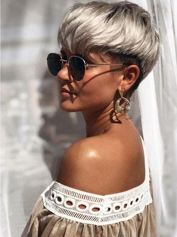 Most Beautiful Pixie Haircuts for Women to Show Off in Year 2020