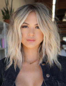 Short to Medium Length Blonde Haircuts You Must Try in 2021