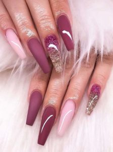 Awesome Christmas Nail Arts and Images to Show Off in 2021