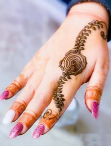 Simple Henna Arts Designs and Patterns for Ladies in Year 2020
