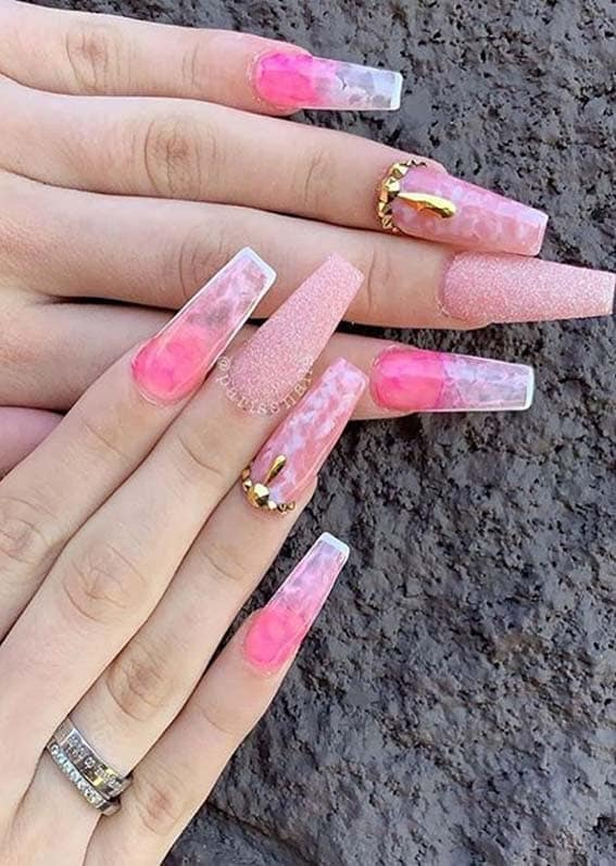 Cute Glittered Pink Nail Arts and Designs to Show Off in 2021