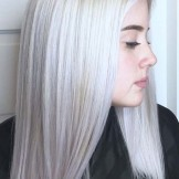 36 Popular Platinum Blonde Hair Color Trends for 2021