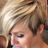 44 Best Short Blonde Haircuts with Side Bangs for 2021