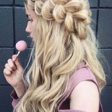 28 Romantic Long Hairstyles with Side Braids in 2021