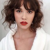 Alluring Loose Curls for Short Haircuts in 2021