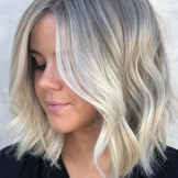 Trendy Medium Length Blonde Haircuts to Sport in 2021