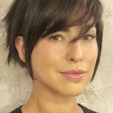 Best Short Haircuts with Side Bangs for Women in 2021
