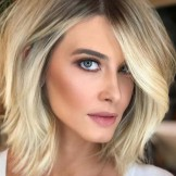 Cutest Short Hairstyles & Hair Color Ideas for Ladies in 2021