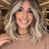 Inspirational Balayage Highlights for Medium Hair in 2021