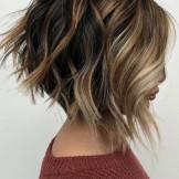 Fantastic Angled Bob Haircut Styles for Ladies in 2021