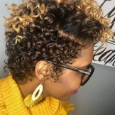 Best Natural Short Curly Hairstyles for Black Women in 2021