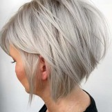 Fantastic Textured Blonde Bob Cuts for Women in 2021