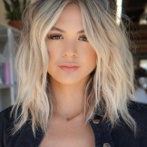 Best Short to Medium Length Blonde Haircuts You Must Try in 2021